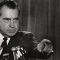 "Nixon insists ""I am not a crook"""