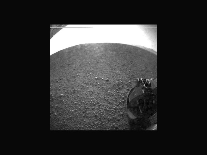 Curiosity, photo after dust cover popped off