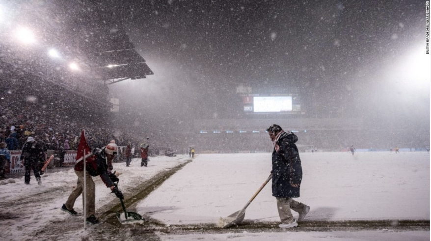 Clearing the lines while the game continues at the far end of the field
