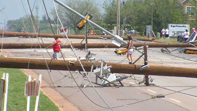 The stormy weather began late yesterday, when a mile-long section of power lines was knocked down along Pennsylvania Avenue in far north Oklahoma City. I drove this road to work every day for the 10 years I lived in Edmond and my house was just about a mile northeast of here.