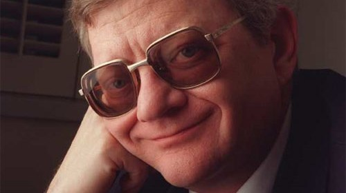 Tom Clancy in 1995. (Image: Paul Morse / Los Angeles Times)