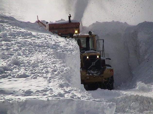 Trail Ridge snow removal 2013