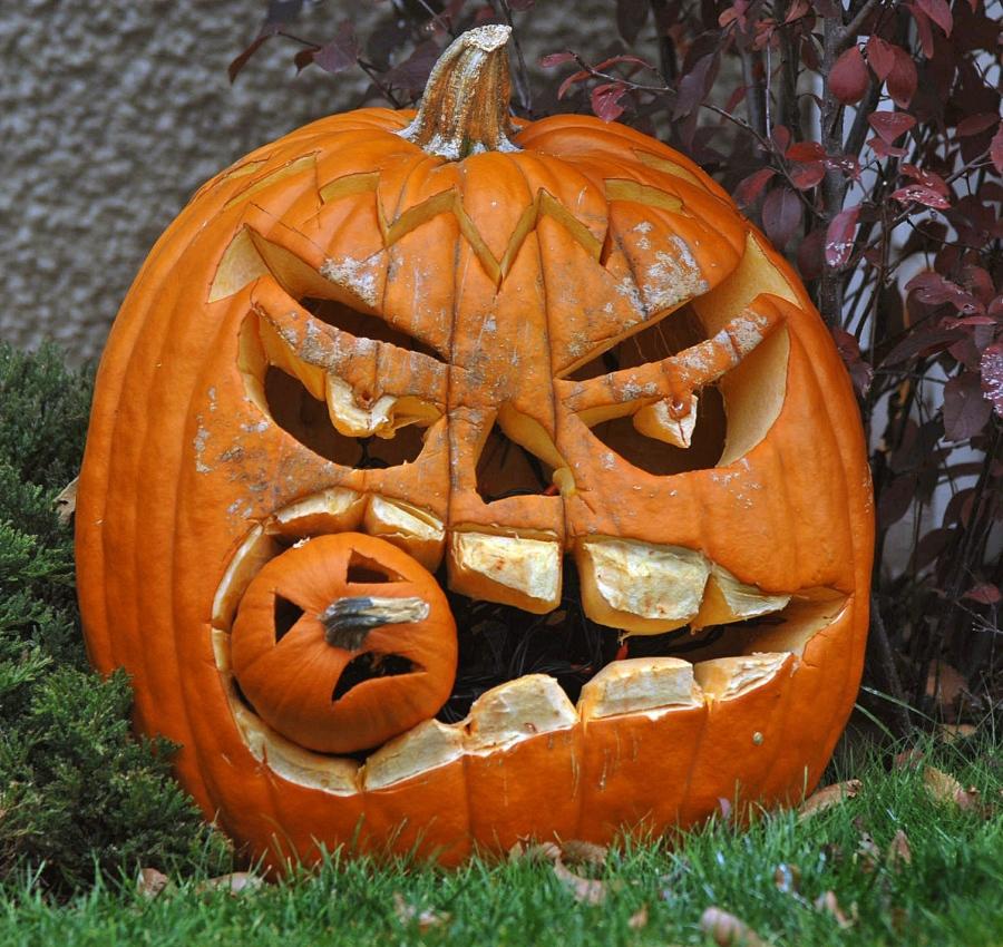 angry jack-o'-lantern