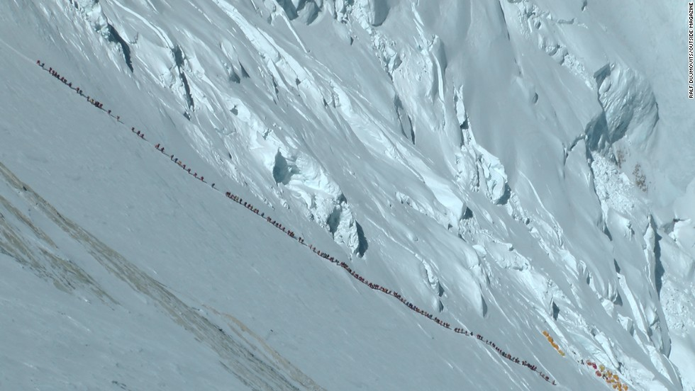 Climbers on Mt. Everest, May 2012. (Photo: Ralf Dujmovits)