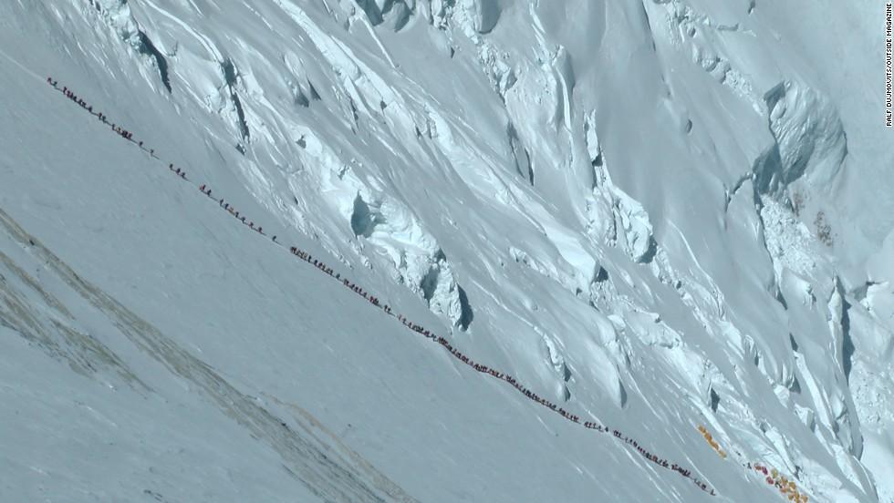 Climbers on Mt. Everest, May 2012. (Photo: Ralf Dujmovits)
