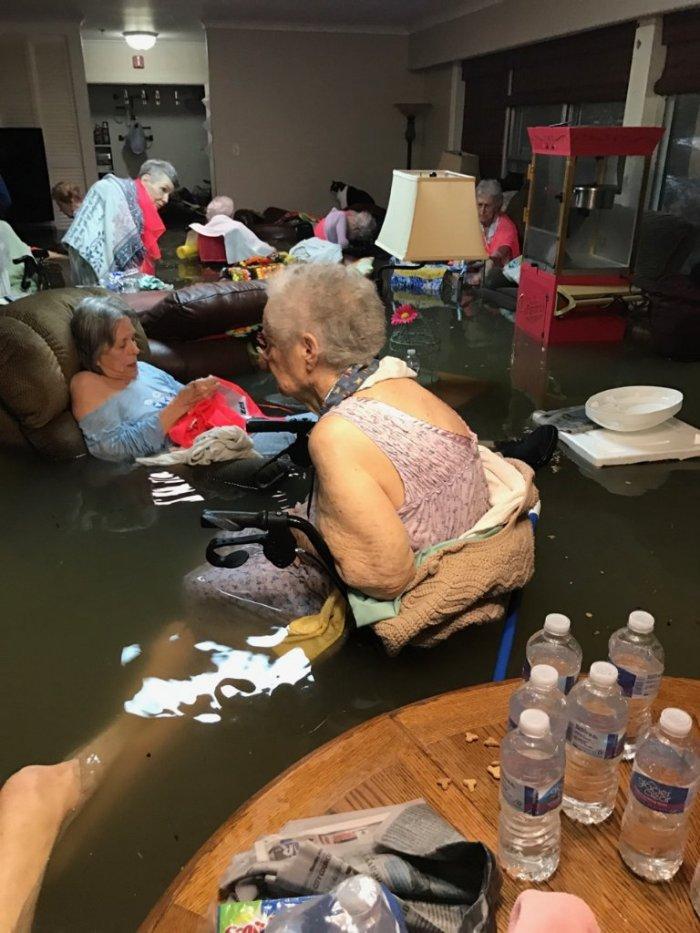 La Vita Bella nursing home, Dickinson, TX. (Photo Timothy J. McIntosh)